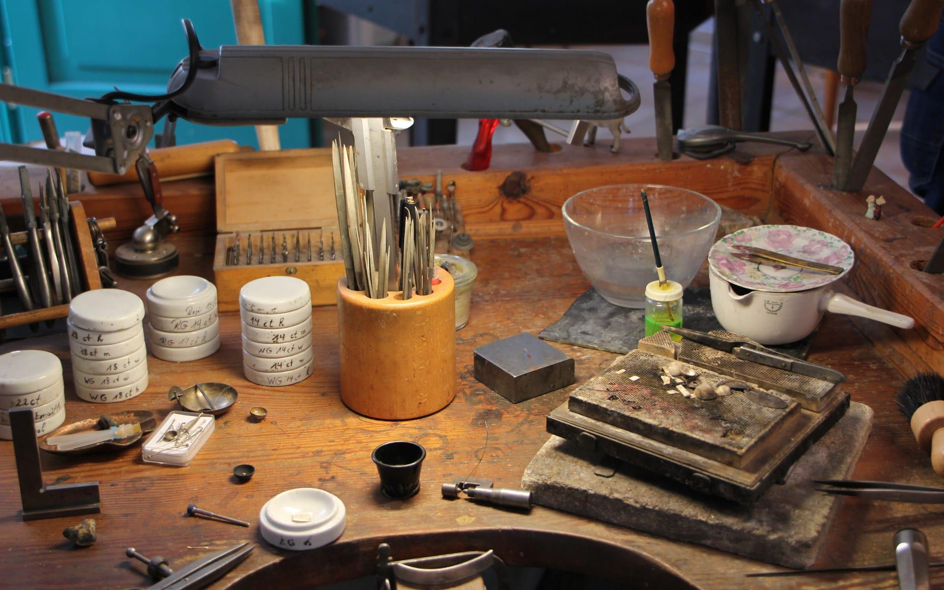 Kunsttour Betzin-Brunne - Werkzeuge und Werkbank in der Werkstatt