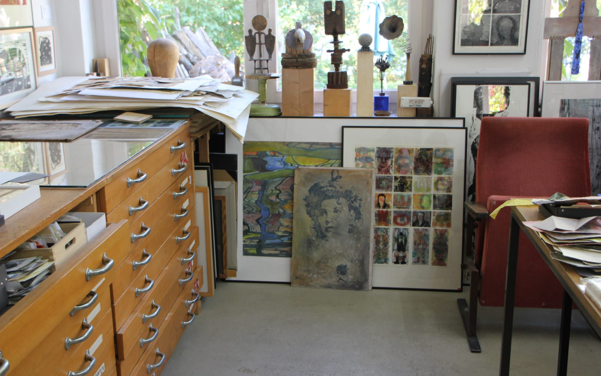 Kunsttour Stechlin - Das Atelier von Elli Graetz mit vielen Gemälden